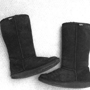 Black Emu/Ugg boots